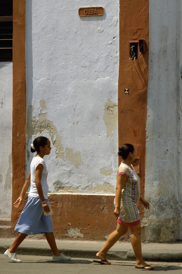 Cuba Calle in Havana, Cuba Travel Photography