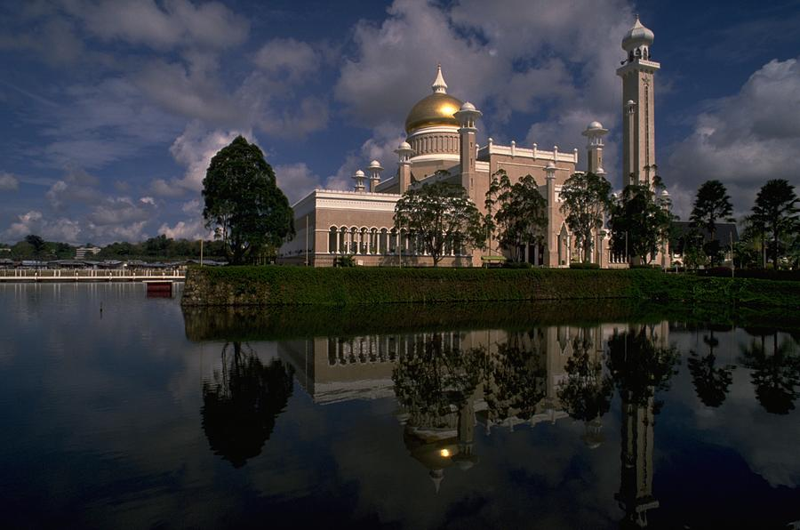 Sultan Omar Ali Saifuddin Mosque, Brunei Travel Photography